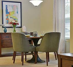 Independent living table avon